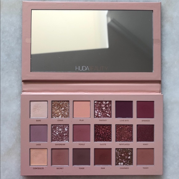 "HUDA BEAUTY Other - Huda Beauty ""The New Nude"" Palette"